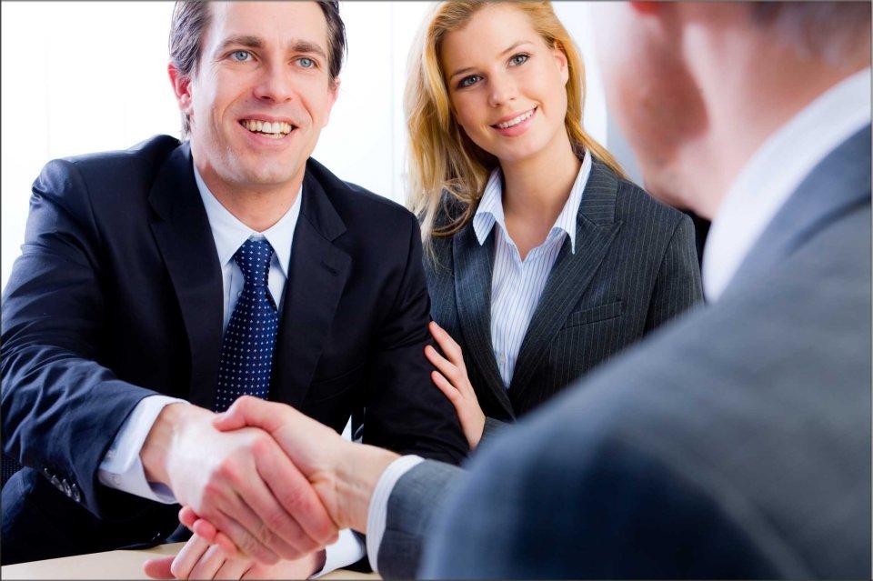 383201-curros-y-asociados-abogados-tratos-
